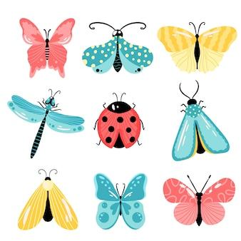 Insekten eingestellt. handgezeichnete schmetterlinge, motten, marienkäfer, libelle im cartoon-stil. vektorillustration lokalisiert auf einem weißen hintergrund.