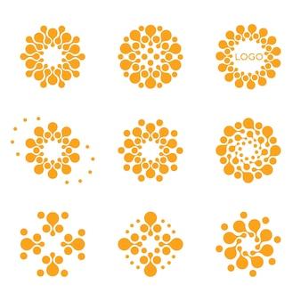 Isolierte abstrakte runde form-logo-set auf weißem hintergrund orange farbe gepunktete logos sammlung