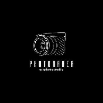 Isolierte schwarze fotokameraillustration. logo für professionelle fotografenausrüstung.
