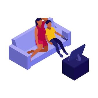 Isometrische illustration einer familie, die auf dem sofa sitzt und fernsieht