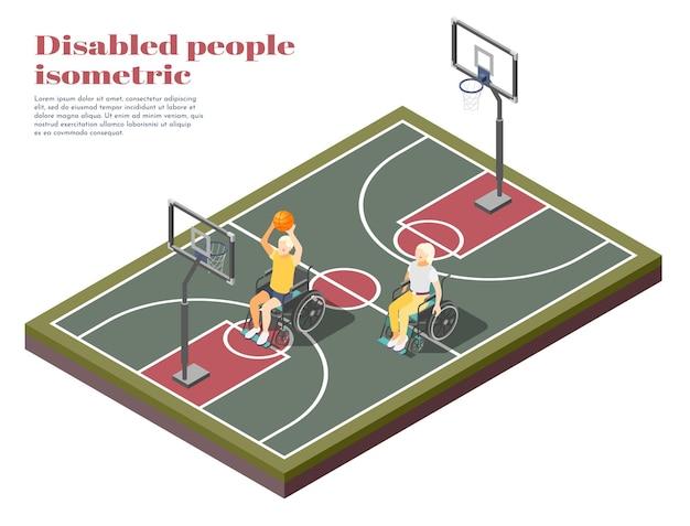 Isometrische zusammensetzung der behinderten menschen mit zwei invaliden im rollstuhl, die basketball auf spielplatz spielen