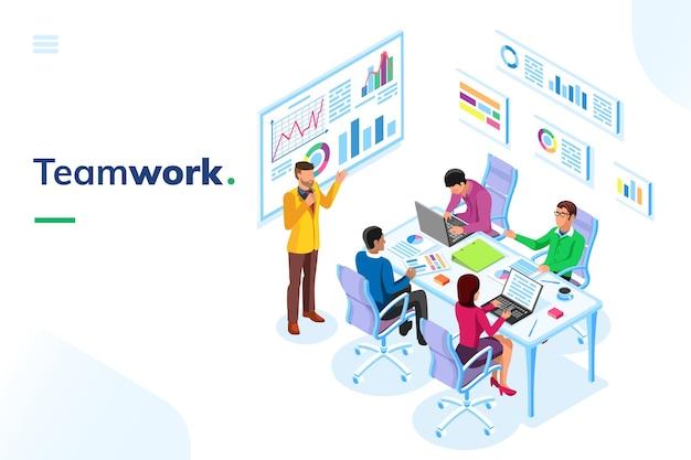 Isometrischer büroraum mit personen bei teamarbeit oder präsentationskonzept