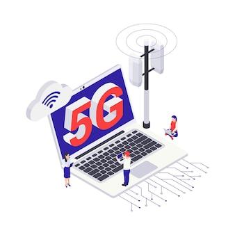 Isometrisches 5g-internet-symbol mit laptop-senderturm und menschlichen charakteren 3d-vektor-illustration