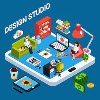 Isometrisches grafikdesign-studio-konzept mit illustrator oder designer, der auf computer und tablett arbeitet