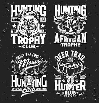 Jägerclub-maskottchen tragen die trophäe bär, eber, elch und hirsch. isolierte monochrome retro-etiketten
