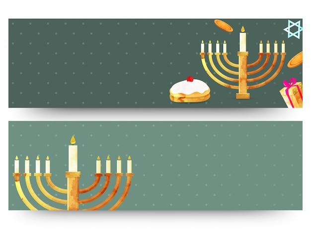Jüdischer feiertag chanukka mit menorah (traditioneller kandelaber), krapfen und holzdreidel (kreisel). webkopfzeilen oder banner.
