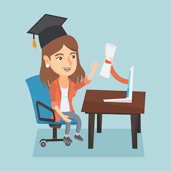 Jungakademiker, der diplom vom computer erhält.