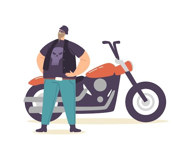 Junge brutale biker in lederkleidung mit totenkopf-print mit helm und brille stehen bei custom motorcycle, bärtiger, fetter hipster-motorradfahrer-charakter genießen das leben. cartoon-menschen-vektor-illustration