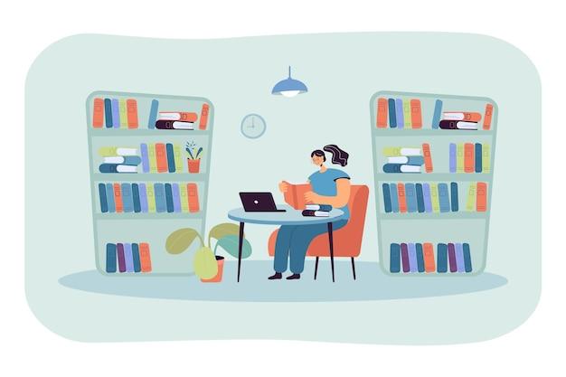 Junge dame, die am schreibtisch in der bibliothek sitzt und buch liest. mädchen, das im zimmer mit flacher illustration der bücherregale studiert