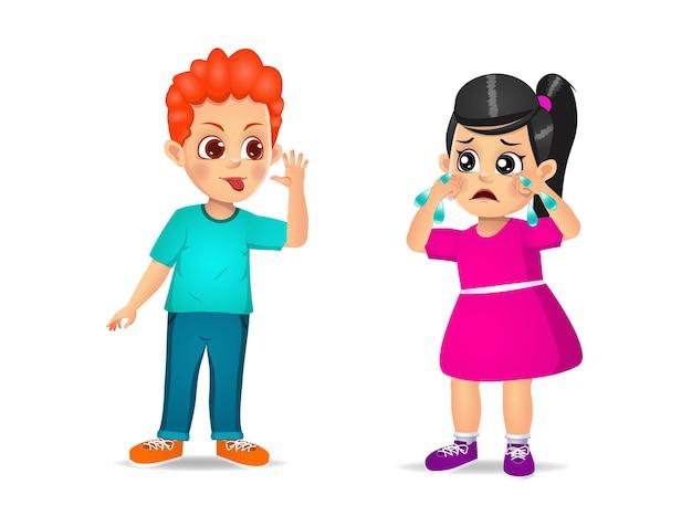 Junge, der dem mädchen eine grimasse zeigt, bis sie weint. isoliert