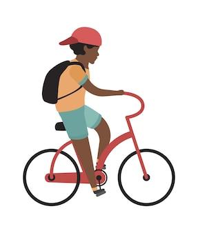 Junge, der fahrrad fährt. glücklicher teenager mit helmfahrten, isolierte vektorkindererholungsaktivität im freien flache illustration flat
