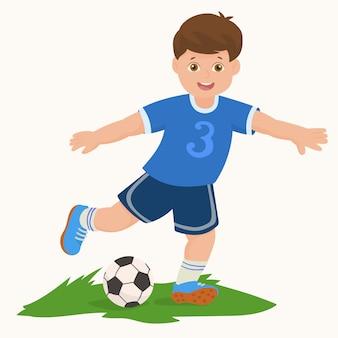 Junge, der fußball spielt