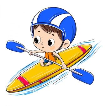 Junge, der in ein kanu mit einem sturzhelm reitet