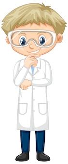 Junge, der laborkleid auf weiß trägt