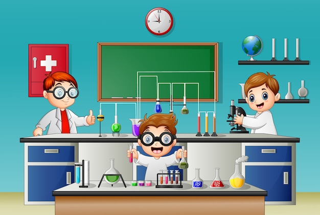 Junge drei, der experiment im labor tut