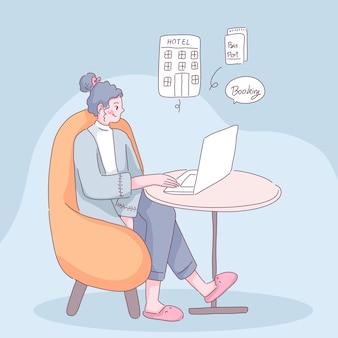 Junge frau buchen unterkunft durch anwendung auf laptop mit bequemlichkeit für reise.