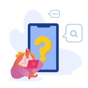 Junge frau, die headset trägt, das am riesigen smartphone mit fragezeichen auf touchscreen sitzt, das informationen im internet mit laptop sucht.