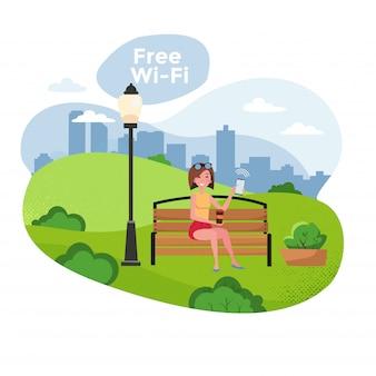 Junge frau mit dem smartphone, der auf einer bank im park mit freiem wifi sitzt. kostenlose wifi-zone und stadtpark-webposter.