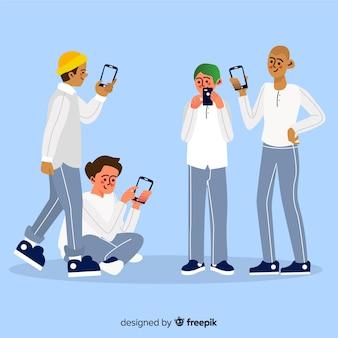 Junge freunde, die smartphones halten