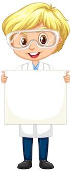 Junge im wissenschaftskleid, das papier auf weiß hält