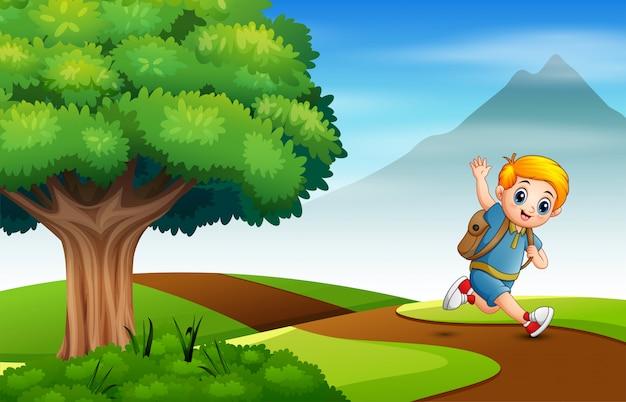 Junge läuft auf dem weg zur schule