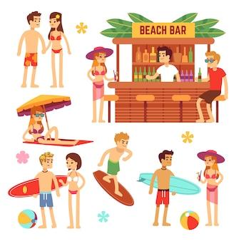 Junge leute am strand ein sonnenbad nehmen. spaßpaar in den sommerferien.