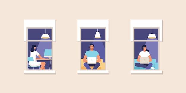 Junge leute, die zu hause am computer arbeiten. zuhause arbeiten. online-studium, bildung. fassade des hauses mit einem fenster. illustration.