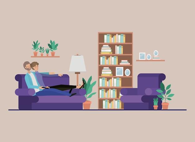 Junge paare, die fernsehen auf dem wohnzimmer