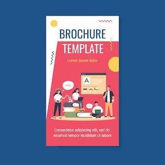 Junge studenten lernen sprache online flache vektor-illustration broschüre vorlage