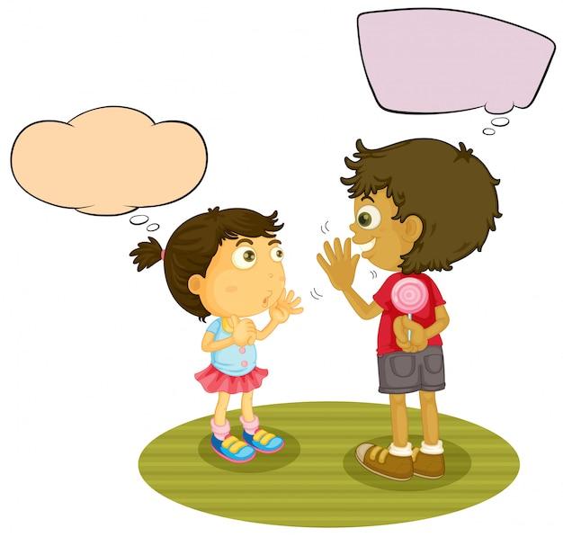 Junge und mädchen, die mit spracheballon sprechen