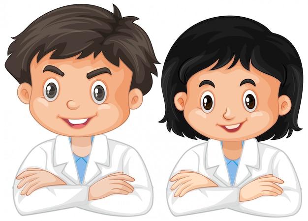 Junge und mädchen im laborkleid auf weiß