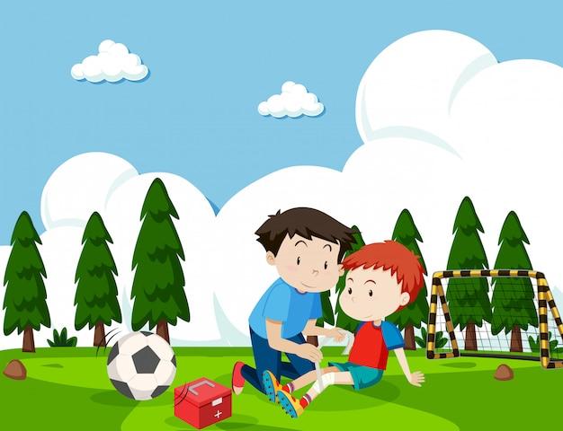 Junge vom fußball verletzt