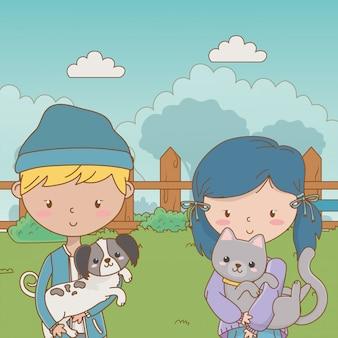 Jungen und mädchen mit hund und katze
