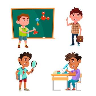 Jungen wissenschaftler bildung und forschung set vector. schülerwissenschaftler forschen und analysieren, machen chemische labortests und experimente. charaktere kinder labor arbeit flache cartoon illustrationen
