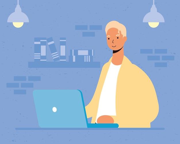 Junger mann, der laptop im haus benutzt