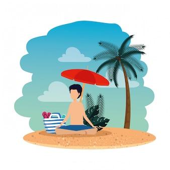 Junger mann mit badeanzug und regenschirm praktizieren yoga am strand