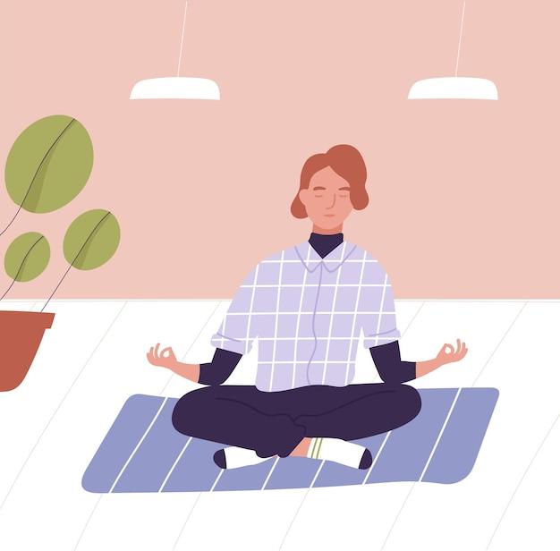 Junger mann mit geschlossenen augen sitzt im schneidersitz und meditiert. geschäftsmeditation, büroentspannungstechnik, achtsamkeit, spirituelle praxis bei der arbeit. flache cartoon bunte vektor-illustration.