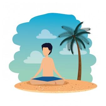 Junger mann mit übendem yoga des badeanzugs auf dem strand