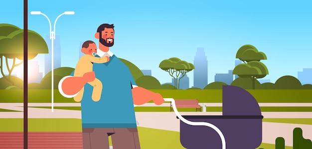 Junger vater, der im freien mit dem vaterschaftskonzeptvater des kleinen babysohnvaters geht, der zeit mit seinem kind stadtbildhintergrund horizontale porträtvektorillustration verbringt