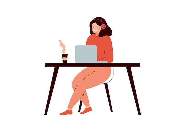 Junger weiblicher hilfslinienbetreiber mit kopfhörer einen kunden konsultierend.