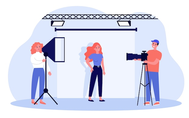 Junges modell, das in der fotografie-studioillustration aufwirft. karikaturfotografen, die foto machen und mit lichtern und kamera arbeiten. professionelles foto- und action-shooting-konzept