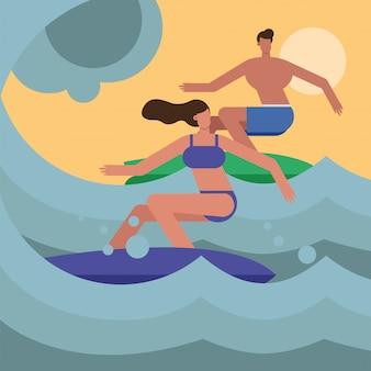 Junges paar, das badeanzüge trägt, die charaktere surfen