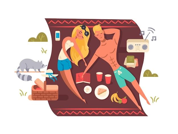 Junges paar liegt auf einer decke mit musik und essen. picknick im naturpark. vektorillustration