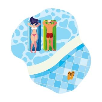 Junges paar mit schwimmermatratze im wasser