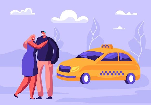 Junges umarmendes paar, das taxiauto auf straße mit vororthintergrund wartet. karikatur flache illustration