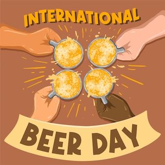 Jungs glas bier toast zur feier des internationalen biertages