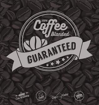 Kaffee-aufkleber und kaffeebohnen hintergrund