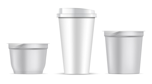 Kaffeetasse aus papier. plastiknahrungsmittelbehälter weißer rohling