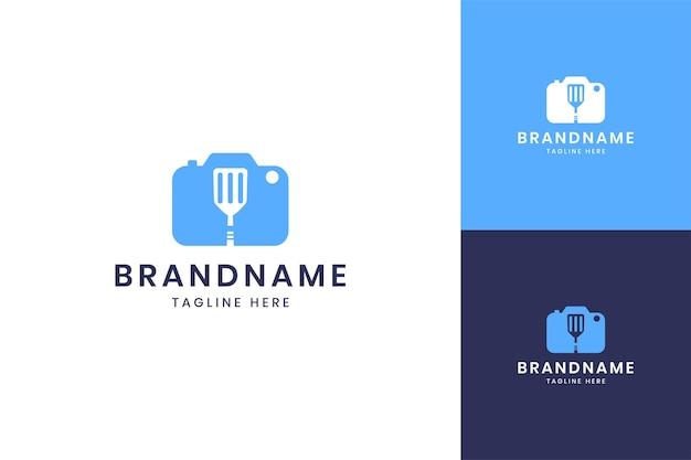 Kamera essen negativer weltraum logo-design