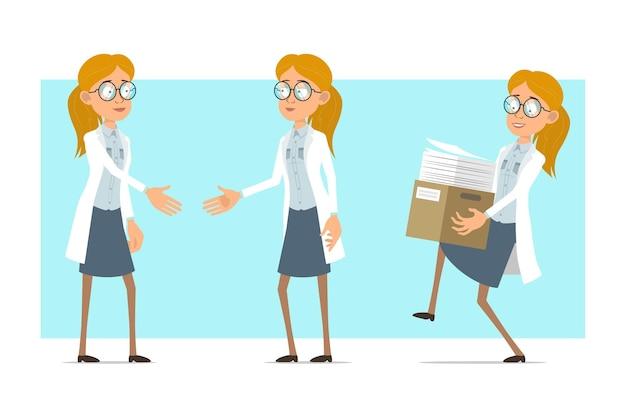 Karikatur flache lustige blonde doktorfrau charakter in weißer uniform und brille. mädchen, das hände schüttelt und dokumente im papierkasten trägt.